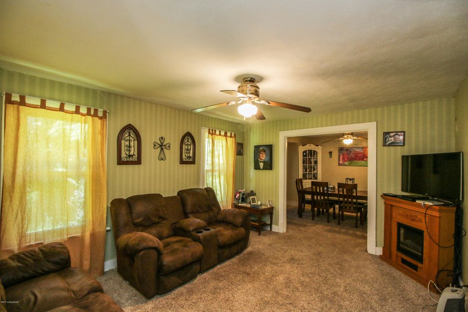 Additional photo for property listing at 810 Gilliland Road 810 Gilliland Road Louisville, Kentucky 40245 United States
