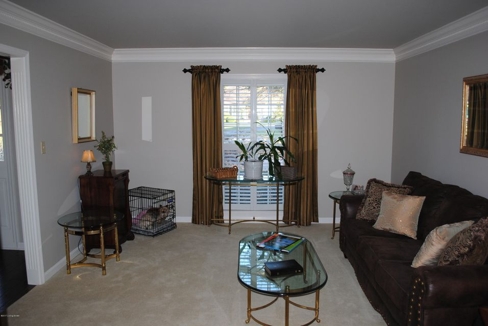 Additional photo for property listing at 3804 Pramany Court 3804 Pramany Court Louisville, Kentucky 40299 United States