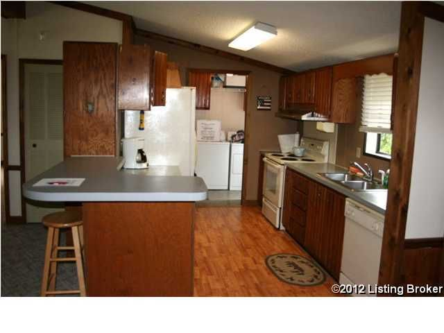 Additional photo for property listing at 699 Lecompte Bottom Road 699 Lecompte Bottom Road Pleasureville, Kentucky 40057 United States
