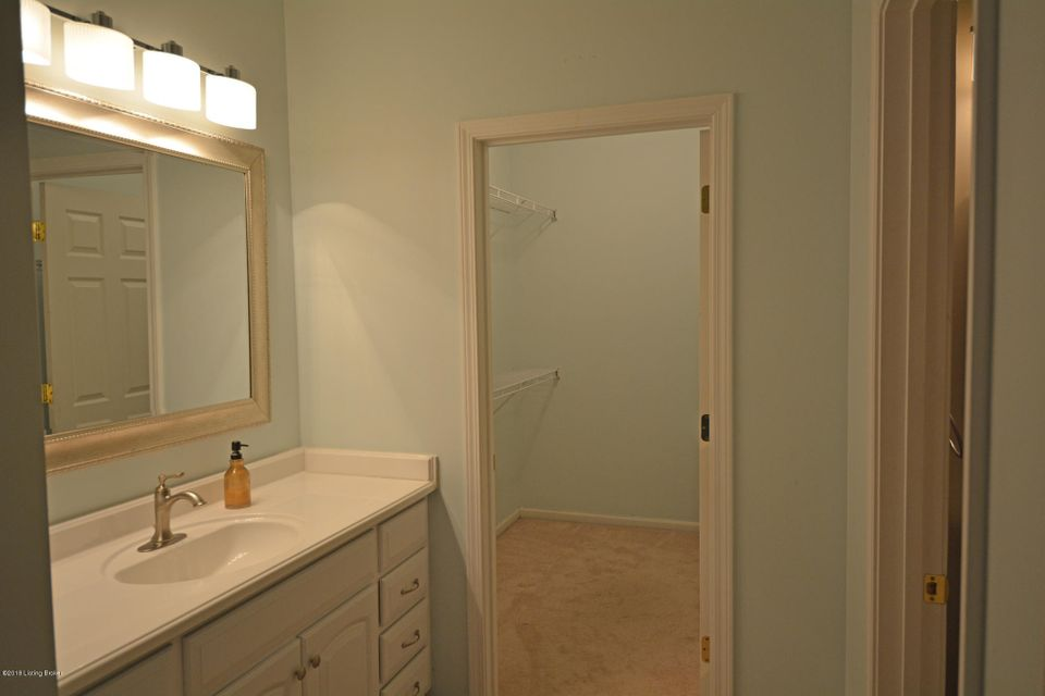 Additional photo for property listing at 5107 Withorn Square 5107 Withorn Square Louisville, Kentucky 40241 United States