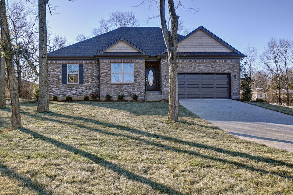 Additional photo for property listing at 7 Vantage View Court 7 Vantage View Court Louisville, Kentucky 40299 United States