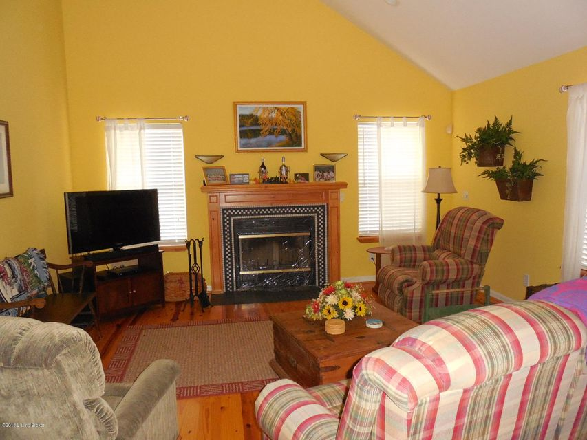 Additional photo for property listing at 995 Greensward Drive 995 Greensward Drive Clarkson, Kentucky 42726 United States