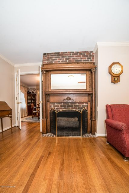 Additional photo for property listing at 7704 Briarwood Drive 7704 Briarwood Drive Crestwood, Kentucky 40014 United States