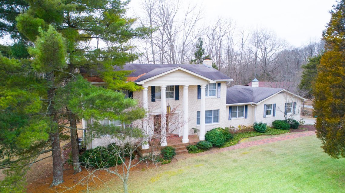 Single Family Home for Sale at 7704 Briarwood Drive 7704 Briarwood Drive Crestwood, Kentucky 40014 United States