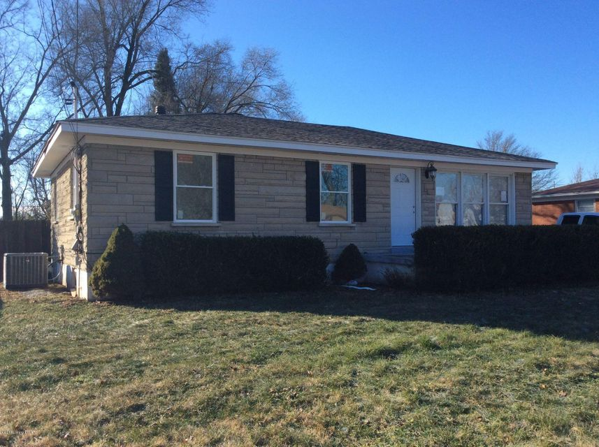 Single Family Home for Sale at 6110 Panax Lane 6110 Panax Lane Louisville, Kentucky 40258 United States