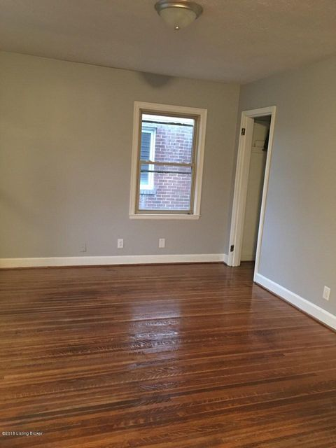Additional photo for property listing at 205 Monohan Drive 205 Monohan Drive Louisville, Kentucky 40207 United States