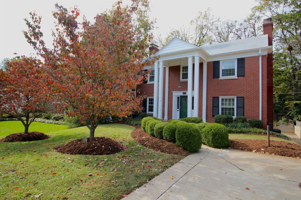 Single Family Home for Sale at 2222 Valley Vista Road 2222 Valley Vista Road Louisville, Kentucky 40205 United States