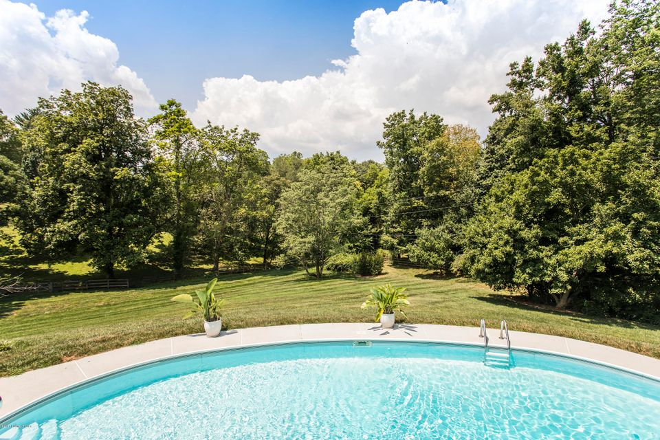 Additional photo for property listing at 5810 Aura Road 5810 Aura Road Louisville, Kentucky 40222 United States