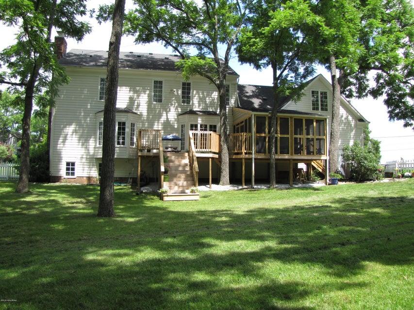 Additional photo for property listing at 10900 Paw Paw Lane 10900 Paw Paw Lane Goshen, Kentucky 40026 United States