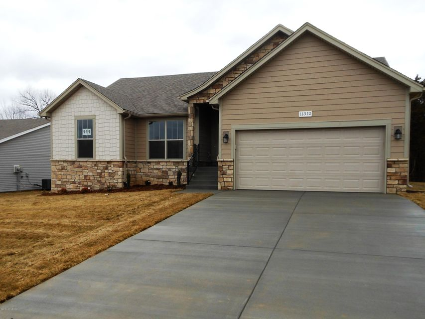 Single Family Home for Sale at 11312 Pebble Trace 11312 Pebble Trace Louisville, Kentucky 40229 United States
