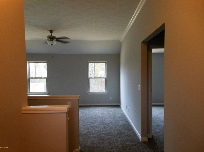 Additional photo for property listing at 11312 Pebble Trace 11312 Pebble Trace Louisville, Kentucky 40229 United States