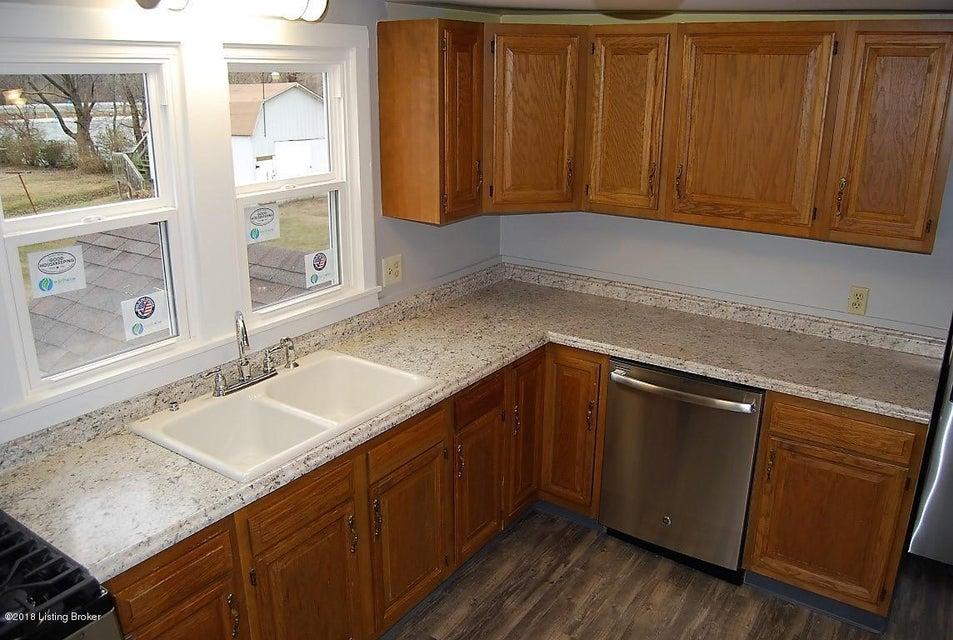 Single Family Home for Sale at 4416 Dohn Avenue 4416 Dohn Avenue Louisville, Kentucky 40216 United States
