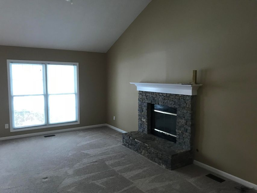 Additional photo for property listing at 11722 Oak Bay Drive 11722 Oak Bay Drive Louisville, Kentucky 40245 United States