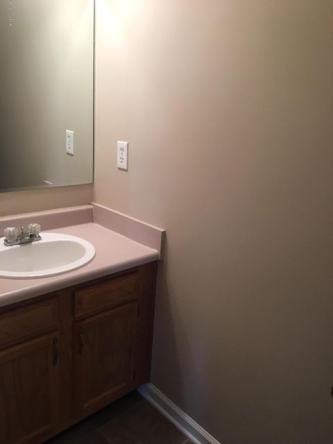 Additional photo for property listing at 4818 Middlesex Drive 4818 Middlesex Drive Louisville, Kentucky 40245 United States