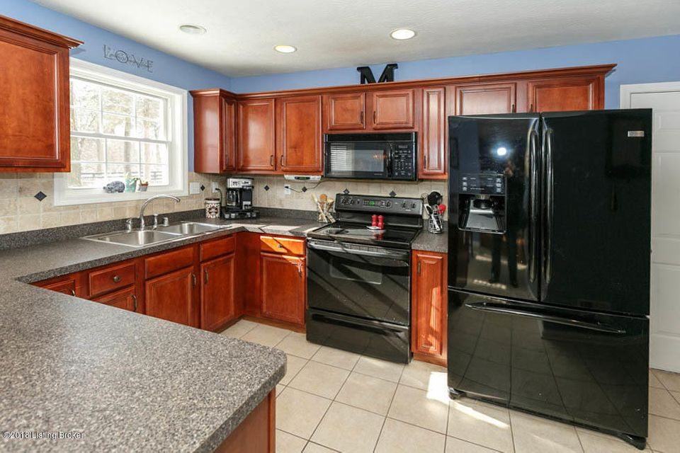 Additional photo for property listing at 10610 Vintage Creek Drive 10610 Vintage Creek Drive Louisville, Kentucky 40299 United States
