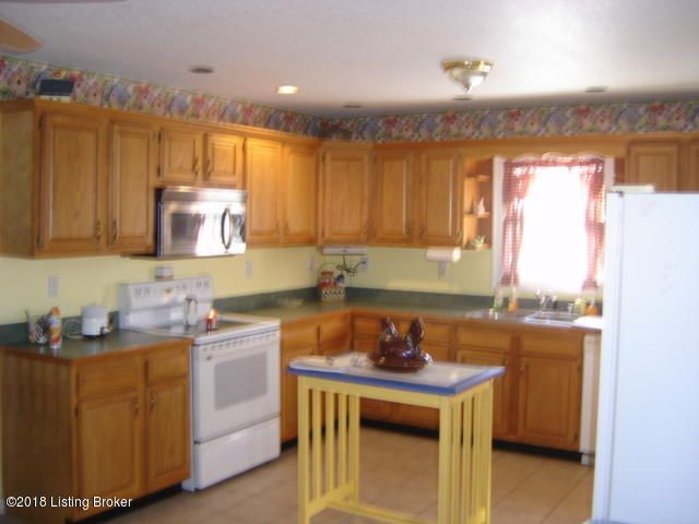 Additional photo for property listing at 2051 E Highway 42 2051 E Highway 42 La Grange, Kentucky 40031 United States