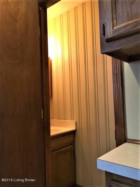 Additional photo for property listing at 1909 Ivanhoe Court 1909 Ivanhoe Court Louisville, Kentucky 40205 United States