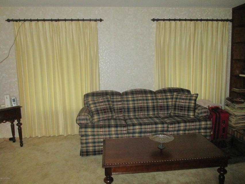 Additional photo for property listing at 336 Dogwood Circle 336 Dogwood Circle Radcliff, Kentucky 40160 United States