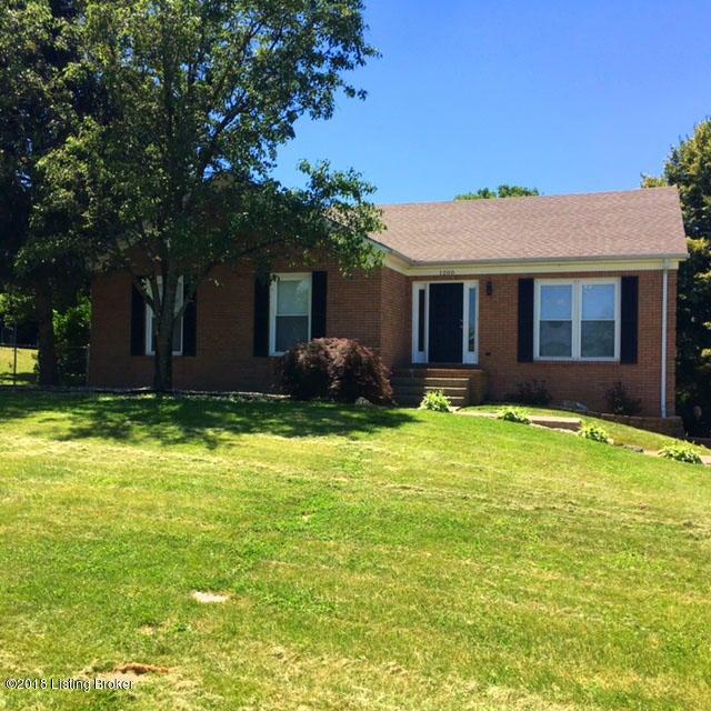 Single Family Home for Rent at 1200 Goshen Lane 1200 Goshen Lane Goshen, Kentucky 40026 United States