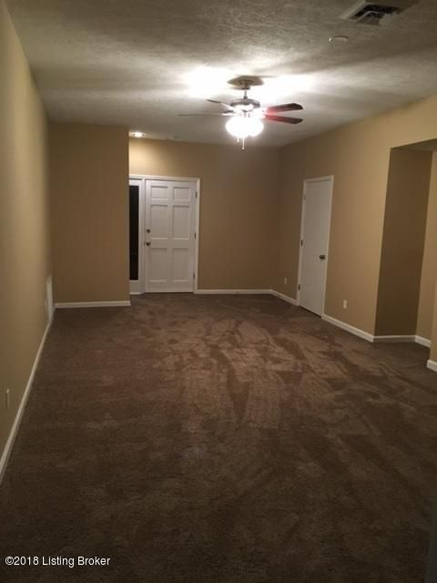 Additional photo for property listing at 7303 Kort Way 7303 Kort Way Louisville, Kentucky 40220 United States