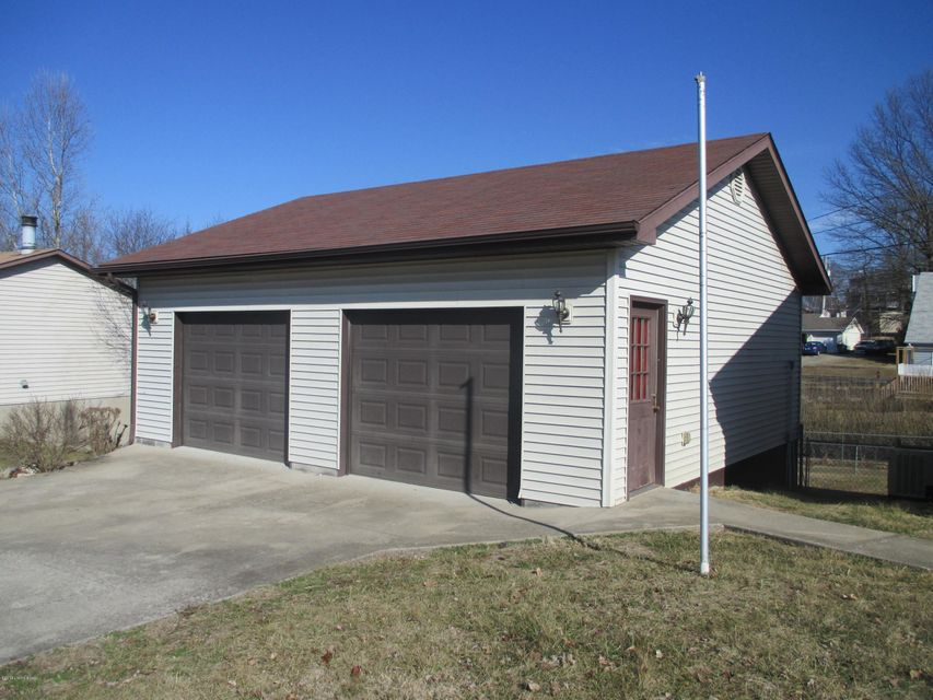 Additional photo for property listing at 709 Franklin Court 709 Franklin Court Radcliff, Kentucky 40160 United States
