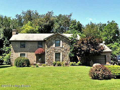 Single Family Home for Rent at 2719 Chamberlain Lane 2719 Chamberlain Lane Louisville, Kentucky 40245 United States