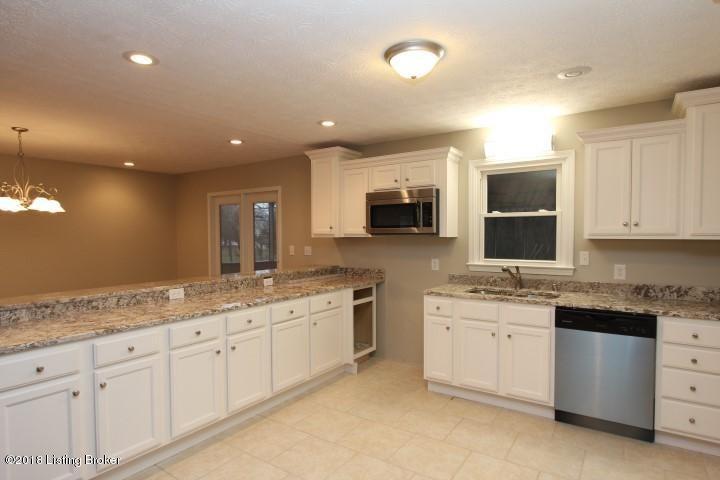 Additional photo for property listing at 1011 Mary Elizabeth Lane 1011 Mary Elizabeth Lane Lawrenceburg, Kentucky 40342 United States