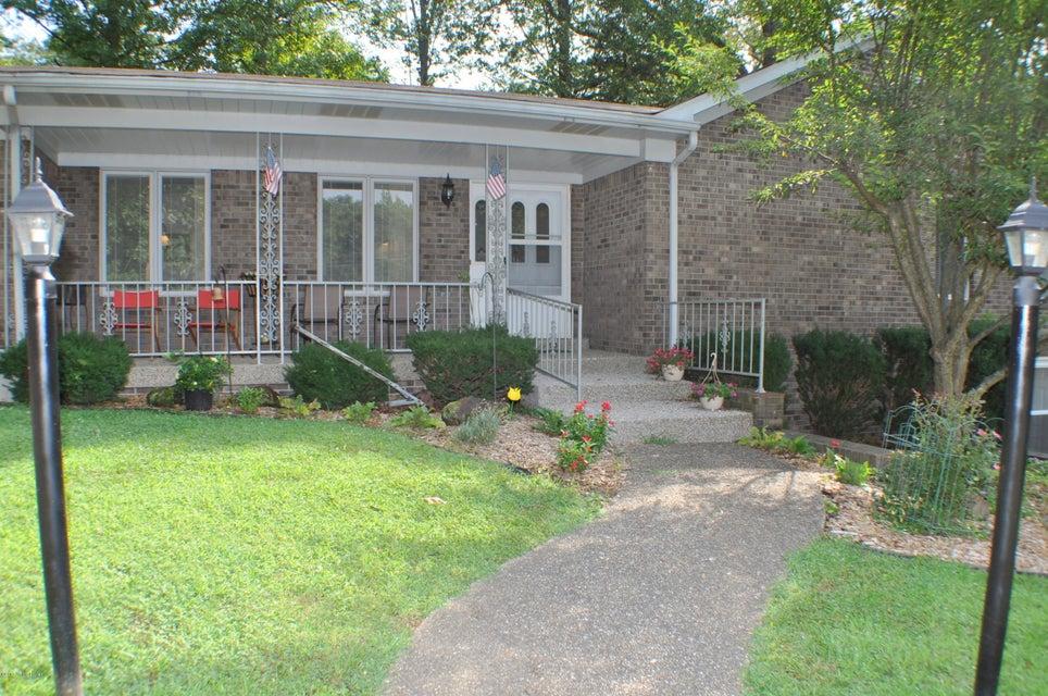 Single Family Home for Sale at 36 Greensway Circle 36 Greensway Circle Brandenburg, Kentucky 40108 United States