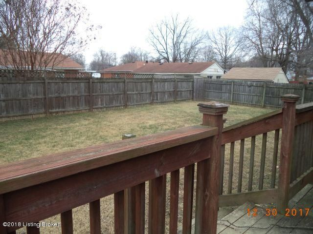 Additional photo for property listing at 6126 Middlerose Circle 6126 Middlerose Circle Louisville, Kentucky 40272 United States