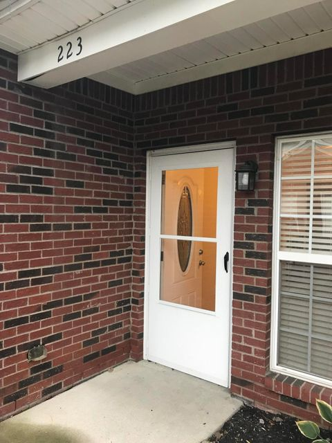 Additional photo for property listing at 223 S Dorsey Lane 223 S Dorsey Lane Louisville, Kentucky 40223 United States