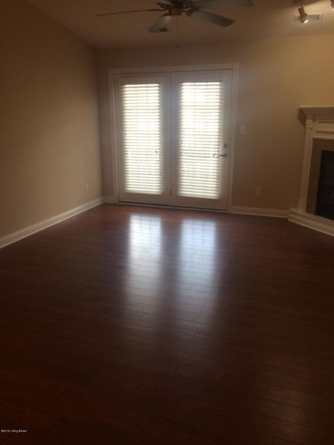Additional photo for property listing at 12506 Townepark Way 12506 Townepark Way Louisville, Kentucky 40243 United States