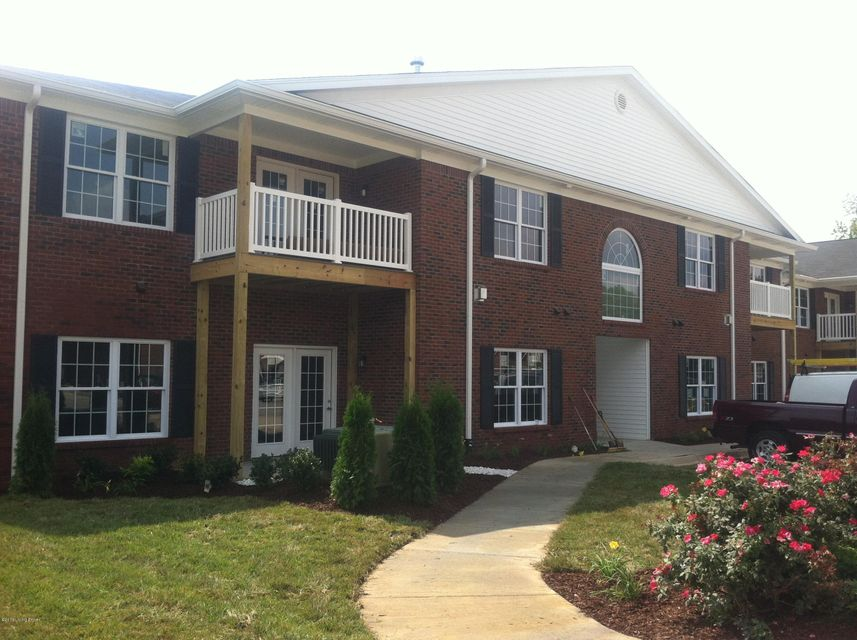 Single Family Home for Rent at 12506 Townepark Way 12506 Townepark Way Louisville, Kentucky 40243 United States