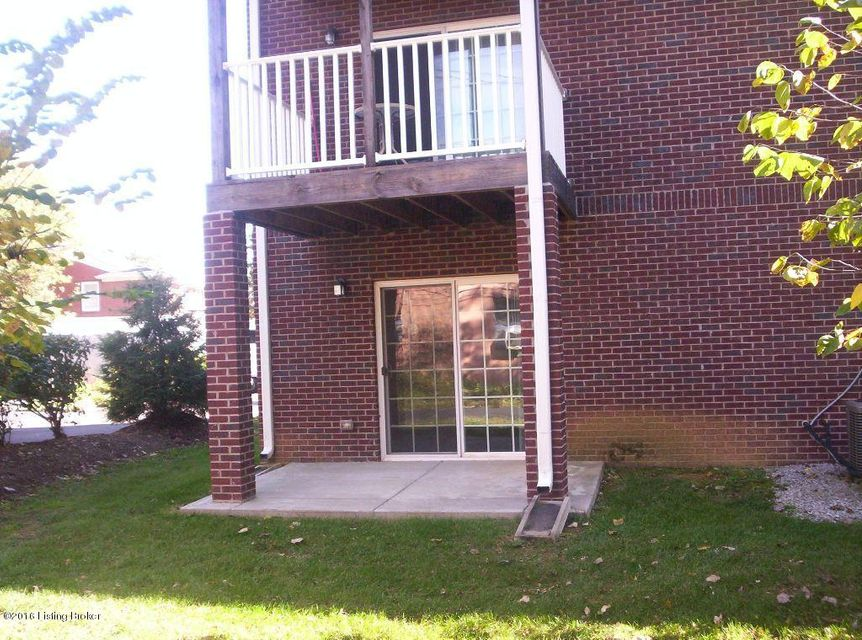 Additional photo for property listing at 2501 Gladstone Circle 2501 Gladstone Circle Louisville, Kentucky 40205 United States