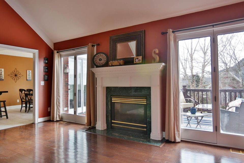Additional photo for property listing at 10804 Woodtwist Court 10804 Woodtwist Court Louisville, Kentucky 40291 United States