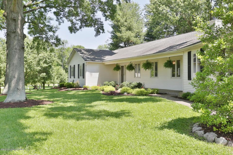 Single Family Home for Sale at 1937 Cardinal Harbour Road 1937 Cardinal Harbour Road Prospect, Kentucky 40059 United States