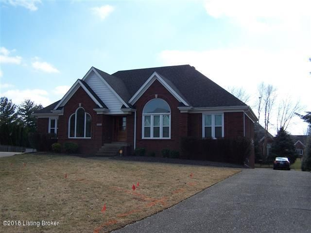 Single Family Home for Sale at 10804 Woodtwist Court 10804 Woodtwist Court Louisville, Kentucky 40291 United States