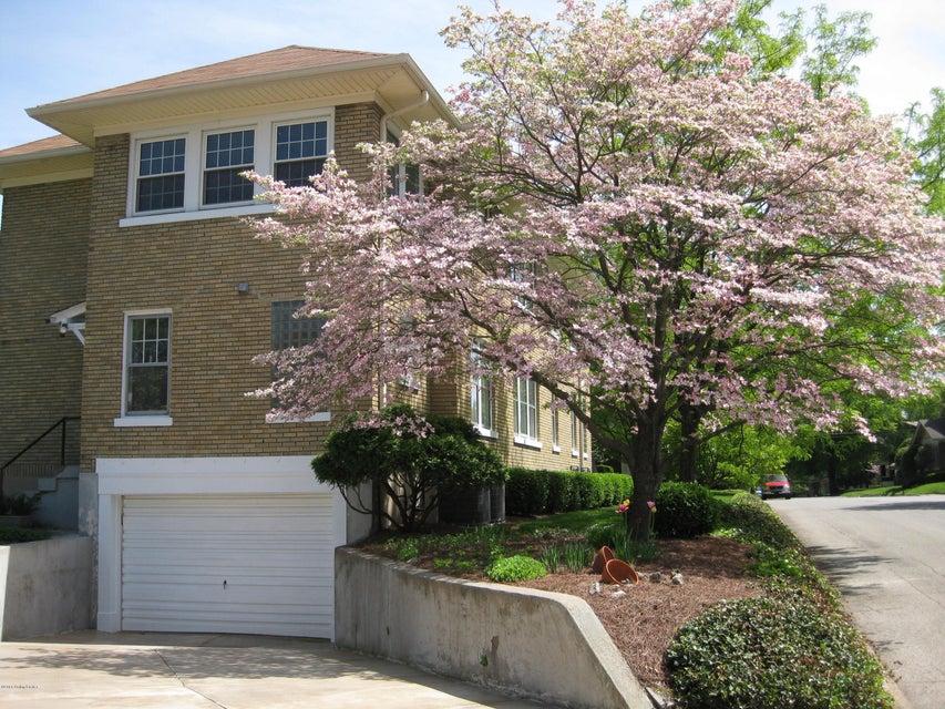 Additional photo for property listing at 1867 Douglass Blvd 1867 Douglass Blvd Louisville, Kentucky 40205 United States