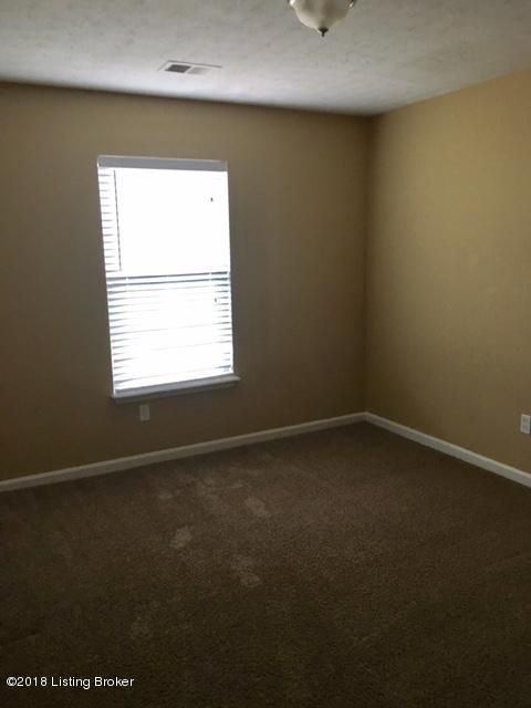 Additional photo for property listing at 6304 Price Road 6304 Price Road Louisville, Kentucky 40229 United States