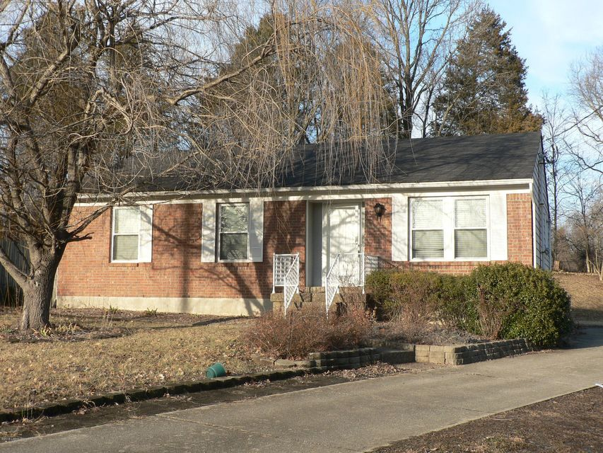 Additional photo for property listing at 8421 Damascus Circle 8421 Damascus Circle Louisville, Kentucky 40228 United States