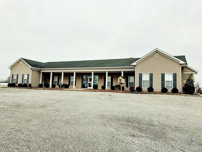 Single Family Home for Sale at 718 W Main Street 718 W Main Street Clarkson, Kentucky 42726 United States