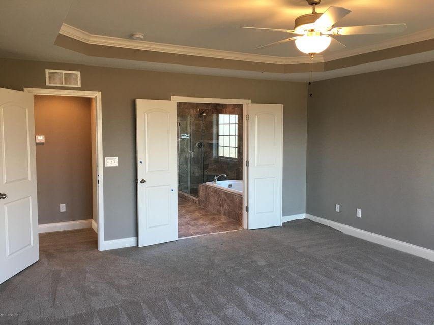 Additional photo for property listing at 18505 Chadwick Glen Circle 18505 Chadwick Glen Circle Louisville, Kentucky 40245 United States