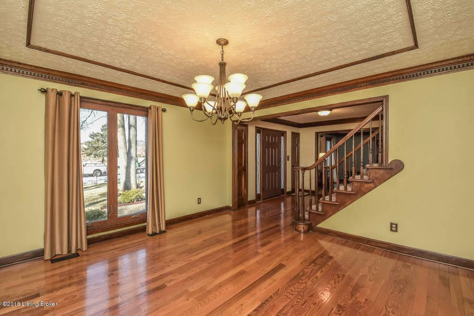 Additional photo for property listing at 10412 FLORIAN Road 10412 FLORIAN Road Louisville, Kentucky 40223 United States