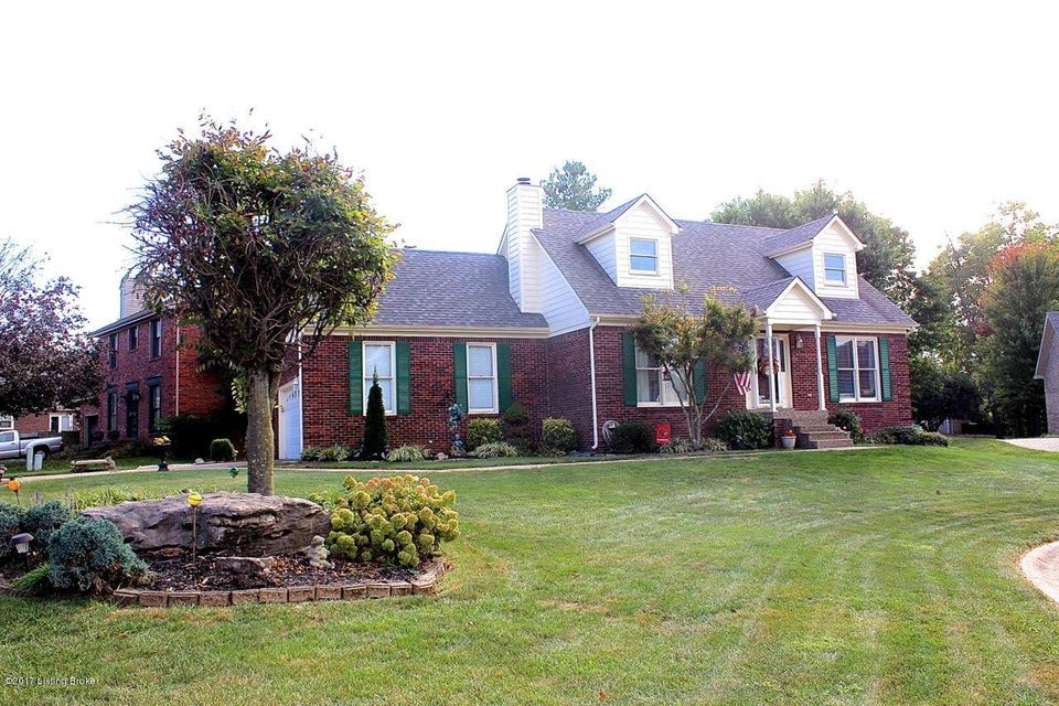 Single Family Home for Sale at 2605 Antone Pkwy 2605 Antone Pkwy Jeffersontown, Kentucky 40220 United States