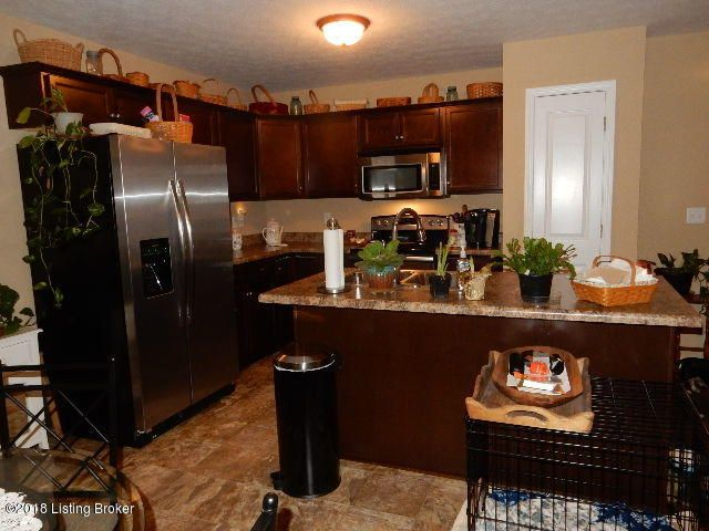 Additional photo for property listing at 166 Teal Court 166 Teal Court Shepherdsville, Kentucky 40165 United States