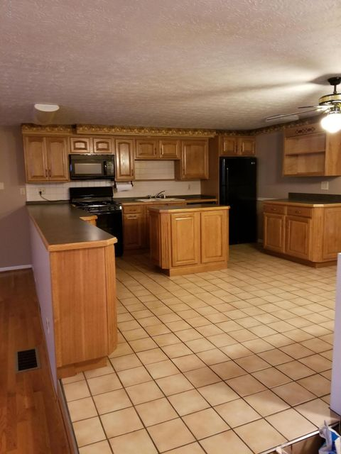 Additional photo for property listing at 2946 W Blue Lick Road 2946 W Blue Lick Road Shepherdsville, Kentucky 40165 United States