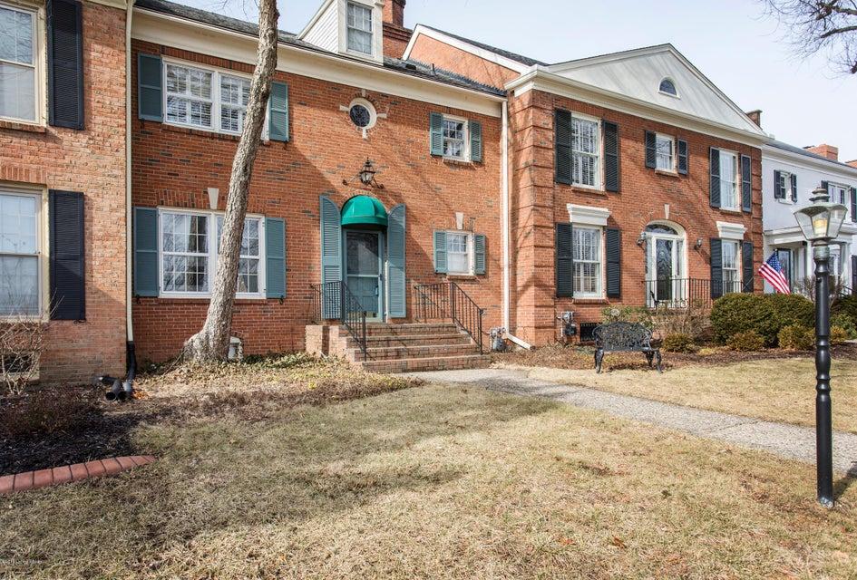 Condominium for Sale at 6624 Deep Creek Drive 6624 Deep Creek Drive Prospect, Kentucky 40059 United States