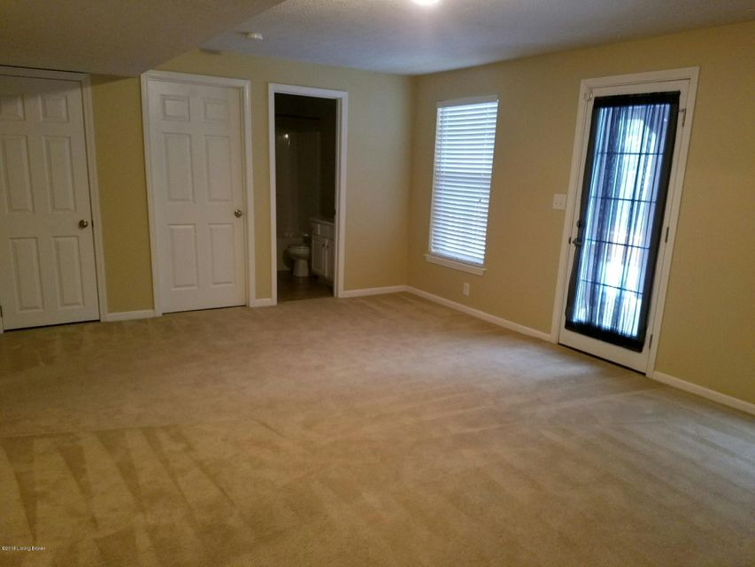 Additional photo for property listing at 10614 Evanwood Drive 10614 Evanwood Drive Louisville, Kentucky 40228 United States