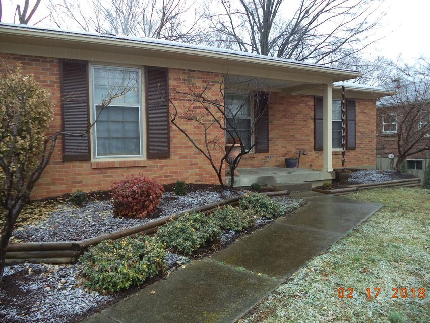 Additional photo for property listing at 905 Fenley Avenue 905 Fenley Avenue Louisville, Kentucky 40222 United States