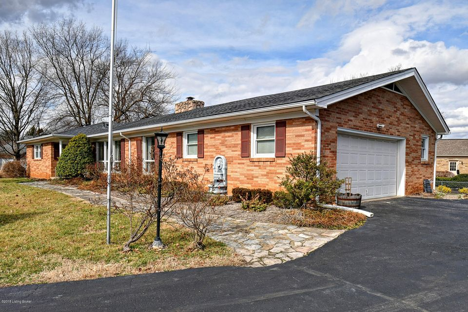 Single Family Home for Sale at 3413 Ascot Circle 3413 Ascot Circle Louisville, Kentucky 40241 United States