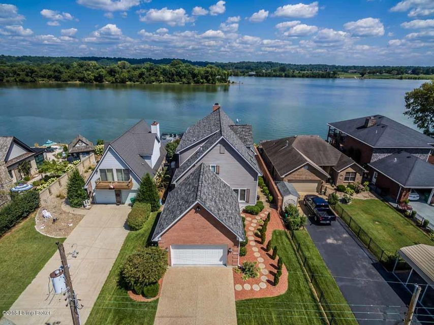 Single Family Home for Sale at 6702 Longview Beach Drive 6702 Longview Beach Drive Jeffersonville, Indiana 47130 United States